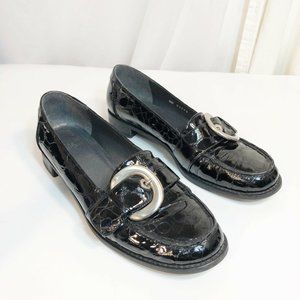 Stuart Weitzman 8.5 Black Patent Leather Buckle Fl